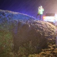 19-12-2014-unterallgaeu-rammingen-unfall-transporter-verkehrsinsel-poeppel-new-facts-eu0015