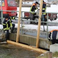 04-01-15_BY_Legau_Hochwasserschutz_Feuerwehr_Flutung-Wiesen_poeppel-new-facts-eu0006