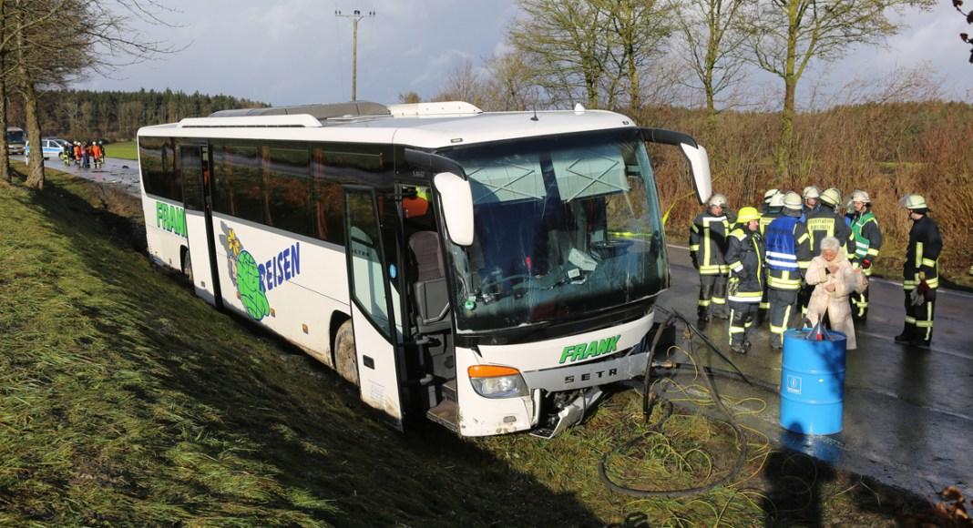 BaWü Ingerkingen-EHI B465 VU_PKW_Bus