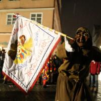 17-01-15_Memmingen_Fasnet_Fasching_Nachtumzug_Stadtbachhexen_Poeppel_new-facts-eu0070