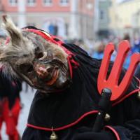 18-01-15_Memmingen_Narrensprung_Fasnet_Fasching_Nachtumzug_Stadtbachhexen_Poeppel_new-facts-eu0137