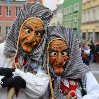 18-01-15_Memmingen_Narrensprung_Fasnet_Fasching_Nachtumzug_Stadtbachhexen_Poeppel_new-facts-eu0200