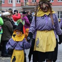 18-01-15_Memmingen_Narrensprung_Fasnet_Fasching_Nachtumzug_Stadtbachhexen_Poeppel_new-facts-eu0237