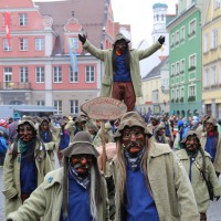 18-01-15_Memmingen_Narrensprung_Fasnet_Fasching_Nachtumzug_Stadtbachhexen_Poeppel_new-facts-eu0345