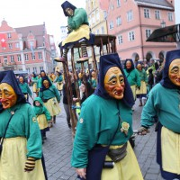18-01-15_Memmingen_Narrensprung_Fasnet_Fasching_Nachtumzug_Stadtbachhexen_Poeppel_new-facts-eu0384