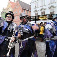 18-01-15_Memmingen_Narrensprung_Fasnet_Fasching_Nachtumzug_Stadtbachhexen_Poeppel_new-facts-eu0390