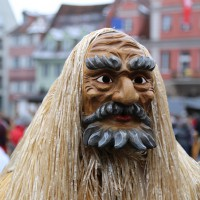 18-01-15_Memmingen_Narrensprung_Fasnet_Fasching_Nachtumzug_Stadtbachhexen_Poeppel_new-facts-eu0445