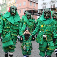 18-01-15_Memmingen_Narrensprung_Fasnet_Fasching_Nachtumzug_Stadtbachhexen_Poeppel_new-facts-eu0493