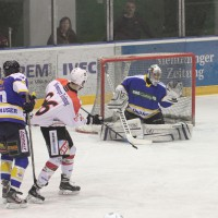23-01-15_Eishockey_Indians_ECDC-Memmingen_Waldkraiburg_Match_Fuchs_new-facts-eu0011