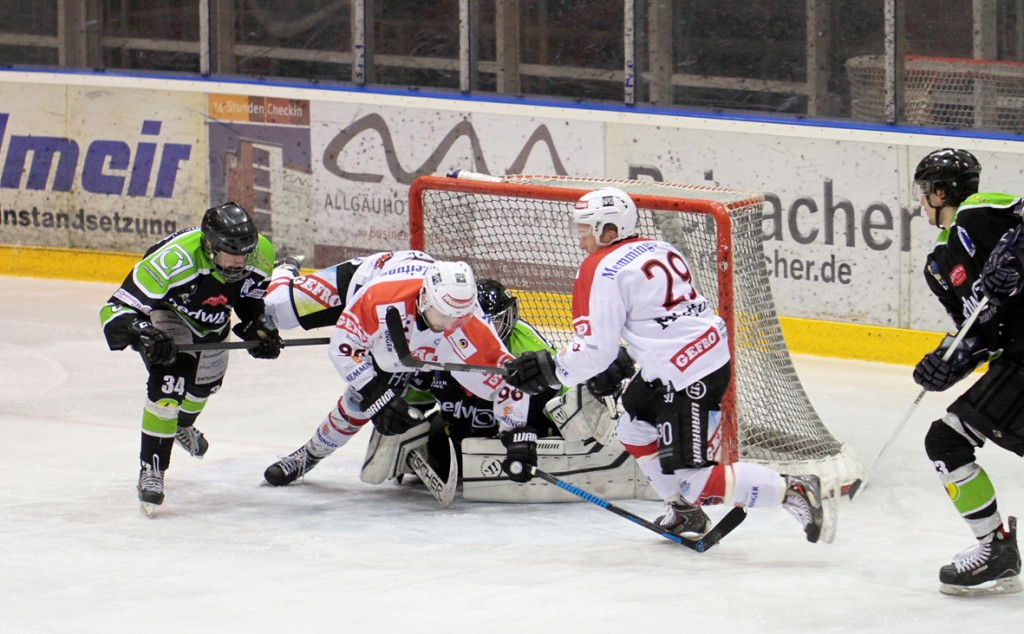 01-02-2015_Eishockey_Memmingen_Indians-ECDC_ Hoechstadt_match_Fuchs_new-facts-eu0031