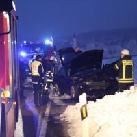 13-02-15_BW_Erolzheim_Kirchdorf_Unfall_Traktor_Pkw_Feuerwehr_Poeppel_new-facts-eu0017