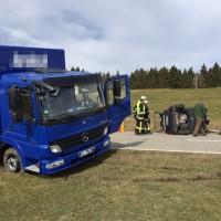 17-03-15_BY_Lindau_Scheidegg_Unfall_Pkw_Lkw_Feuerwehr_Raedler_new-facts-eu0001