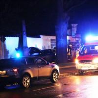 27-03-15_BY_Memmingen-Steinheim_Unfall_Pkw_Freidhof_Baum_Feuerwehr_Poeppel_new-facts-eu0002