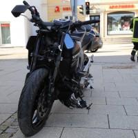 03-04-15_BY_Unterallgaeu_Mindelheim_Motorradunfall_Feuerwehr_Poeppelnew-facts-eu0007