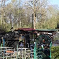 20-04-15_BY_Memmingen_Brand-Gartenlaube_Feuerwehr_Poeppel_new-facts-eu0003