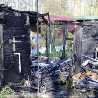 20-04-15_BY_Memmingen_Brand-Gartenlaube_Feuerwehr_Poeppel_new-facts-eu0011