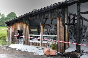 27.05.2015-Marktoberdorf-Burg-Feuer-Pferdestall-Reiterhof-Feuerwehr-alle Tiere gerettet-Bringezu-Ostallgäu (3)_tonemapped
