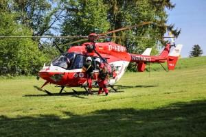 VU-Rpsshaupten-Halblech-OAL 1-Fahrerin-schwerverletzt-eingeklemmt-Autp deformiert-Feuerwehr-Rettungsdienst-Rettungshubschrauber-Ostallgäu-Bringezu (14)_tonemapped
