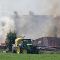 05-07-2015_BY_Unterallgaeu_Niederrieden_Brand_Sagewerk_Feuerwehr_Riedel_new-facts-eu0008