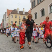 23-07-2015_Memminger-Kinderfest-2015_Umzug_Kuehnl_new-facts-eu0112