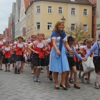 23-07-2015_Memminger-Kinderfest-2015_Umzug_Kuehnl_new-facts-eu0147