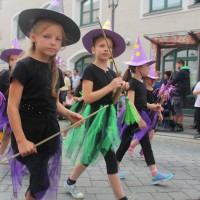 23-07-2015_Memminger-Kinderfest-2015_Umzug_Kuehnl_new-facts-eu0184