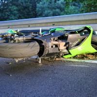 Kaufbeuren-Oberbeuren-ST2055-Unfall-Motorrad-gesperrt-Fahrer-verletzt-Ostalgäu-24.07.2015-new-facts (27)