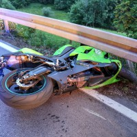 Kaufbeuren-Oberbeuren-ST2055-Unfall-Motorrad-gesperrt-Fahrer-verletzt-Ostalgäu-24.07.2015-new-facts (6)