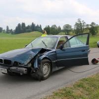 Unfall-Elbsee-Telefonmast-BMW-Seniorin-verletzt-kein Telefon-Mast-abgerissen-Rettungdienst-Hubschrauber-new-facts.eu-Thorsten-Bringezu-Aitrang (2)