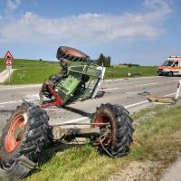 Unfall-St2008-Seeg-Legenwang-PKW-gegen-Traktor-4-Verletzte- Ostallgäu-Bringezu-Rettungshubschrauber (31)_tonemapped