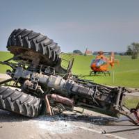 Unfall-St2008-Seeg-Legenwang-PKW-gegen-Traktor-4-Verletzte- Ostallgäu-Bringezu-Rettungshubschrauber (59)_tonemapped