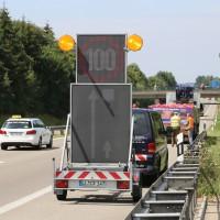 04-08-2015_A96_Memmingen_Stau_Lkw-Unfall_Feuerwehr_Poeppel_new-facts-eu0010