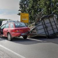 B12-Geisenried-28.09.2015-Viehhänger-Unfall-Teilsperrung-Tiere-verletzt-Feuerwehr Geisenried-Polizei-Bringezu-new-facts (5)