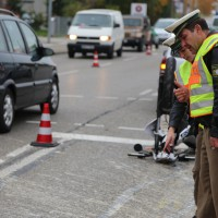 12-10-2015_Memmingen_allgaeuerstrasse_schweizering_Kradunfall_Feuerwehr_Poeppel_new-facts-eu0010