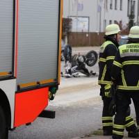 12-10-2015_Memmingen_allgaeuerstrasse_schweizering_Kradunfall_Feuerwehr_Poeppel_new-facts-eu0013