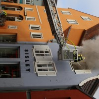 21-10-2015_Memmingen_Zimmerbrand_Theaterplatz_Feuerwehr_Poeppel_new-facts-eu017