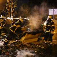 25-10-2015_Memmingen_Container-Brand_Feuerwehr_Poeppel_new-facts-eu0005