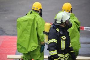 31-10-2015_Biberach_Dettingen-Iller_Chemie_Gefahrgut_Lidl_Feuerwehr_Poeppel_new-facts-eu0068