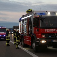 06-11-2015_A7_Berkheim_Memmingen_Milch_Feuerwehr_Poeppel_new-facts-eu0002