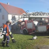 07-11-2015_Biberach_Gutenzell-uebung_Bauernhof-Brand_Feuerwehr_new-facts-eu0038