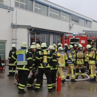 01-12-2015_Unterallgaeu_Ottobeuren_Brand-Rauch_Metallbetrieb_Feuerwehr_Poeppel_new-facts-eu0023