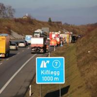 02-12-2015_A96_Kisslegg_Lkw-Unfall_Feuerwehr_Poeppel_new-facts-eu0001
