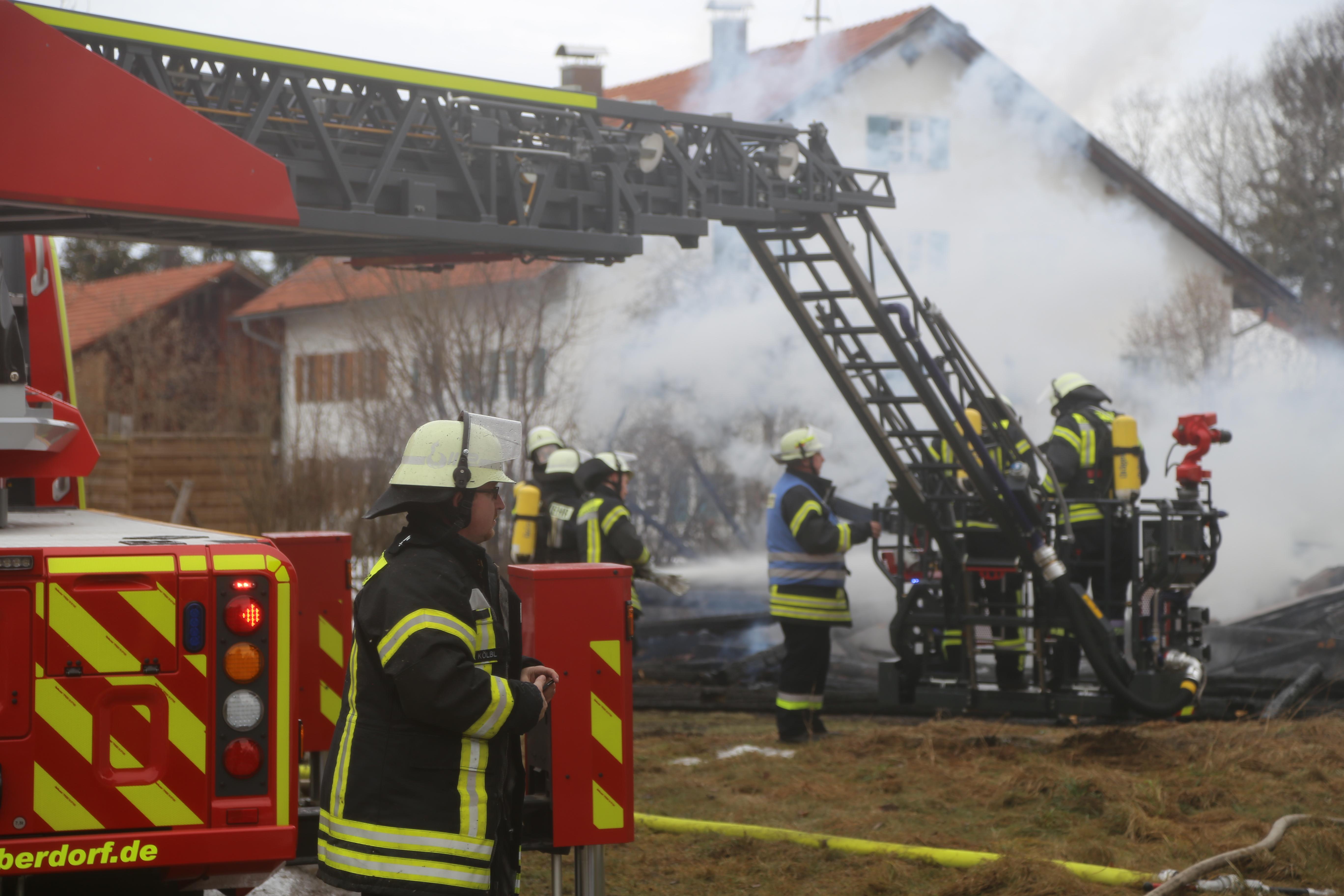 Schwenden - Bauernhaus brennt všllig nieder - Person vermisst