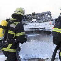 03-01-2016_A7_Memmingen_Unfall_Stau_Pkw-Brand_Feuerwehr_Poeppel_new-facts-eu0017