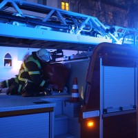 03-01-2016_Memmingen_Metzgerweg_Zimmerbrand_Verletzte_Feuerwehr_Poeppel_new-facts-eu0009