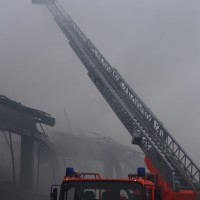 12-03-2016_Unterallgäu_Schulerloch_Groenenbach_Brand_Futtermittelhalle_Abbruch_Feuerwehr_Poeppel_new-facts-eu080