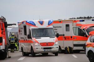 2016_A96_Aitrach_Memmingen_Unfall_Stauauffahrer_RTH_Poeppel_new-facts-eu011