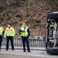 02-04-2016_Ravensburg_Hinstobel_Guelle-Lkw_Unfall_Feuerwehr_Bergung20160402_0004
