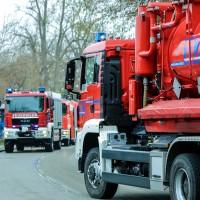 02-04-2016_Ravensburg_Hinstobel_Guelle-Lkw_Unfall_Feuerwehr_Bergung20160402_0010