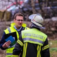 02-04-2016_Ravensburg_Hinstobel_Guelle-Lkw_Unfall_Feuerwehr_Bergung20160402_0023